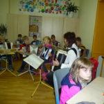 30-musikalische-unterhaltung-von-schuelern-der-musikschule-froehlich-leitung-frau-focking